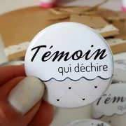 badge-temoin-mariage-taupe
